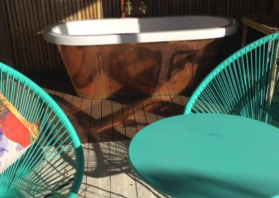 outdoor-retreat-copper-bath